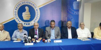 Oposición se reúne con evangélicos en su reclamo por JCE y TSE independientes