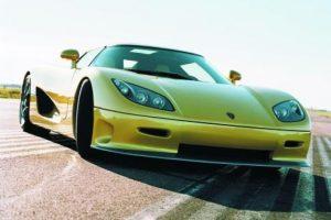4- Koenigsegg CCR (242 mph – 389). Una armadora sueca detonó la creación de Veyron y la altura a superar por parte de Bugatti. Se trata de un bólido propulsado por un V8, 4.7 litros, desarrollado por la misma compañía, además de utilizar una carrocería de fibra de carbón. Si bien es cierto que posteriormente el Agera R menciona una velocidad tope de 270 mph, 434 km/h, no hay registros oficiales. Foto:Metro