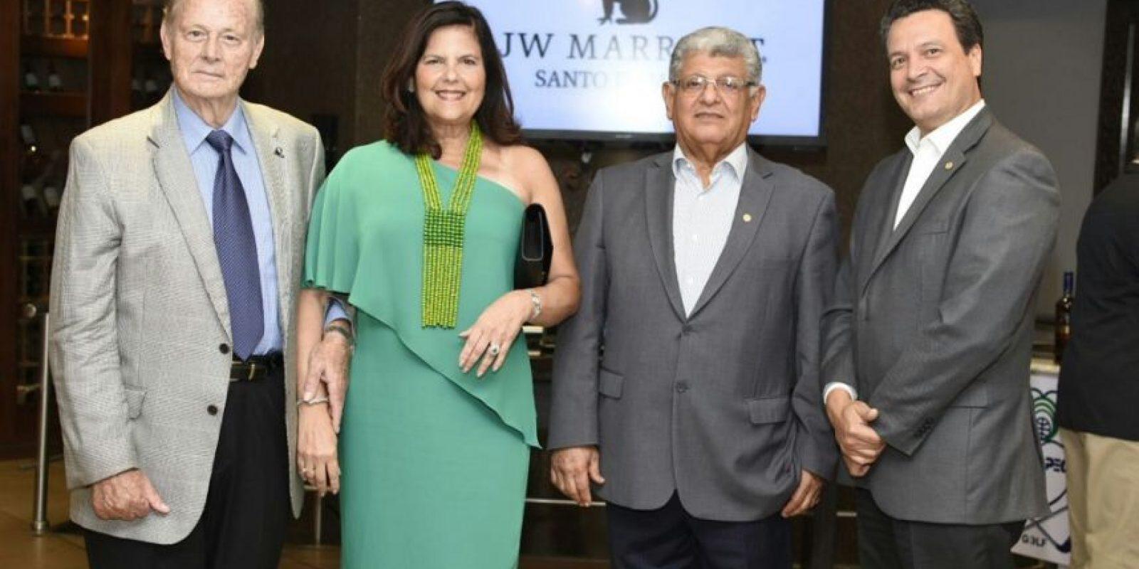 Wilhelm Brouwer, Sonia Villanueva, Jaime Fernández y Ramón Sosa Alcántara, directivos de CENAPEC. Foto:Fuente Externa