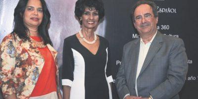 Betzaida Ymaya, Elsa Núñez y Fernando García en la apertura de la exposición. Foto:Luis Andújar