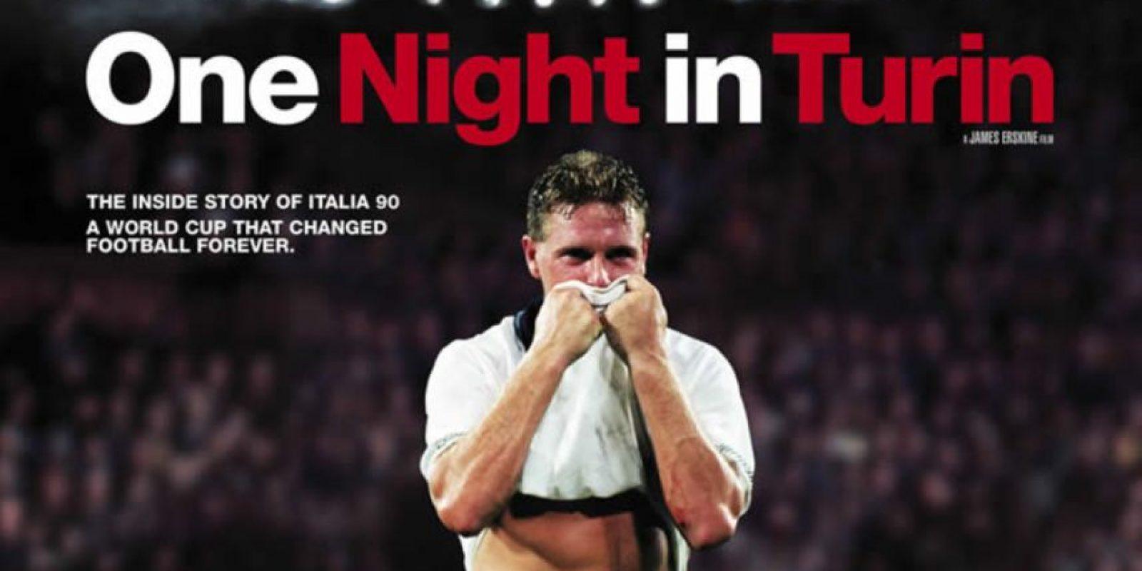 One Night in Turin(director:James Erskine-2010): Narra la historia de Inglaterra en el Mundial de 1990. Sin embargo, va más allá de lo futbolístico y se adentra en cómo se unió el país para alentar al equipo que llegó a semifinales. Además, analiza las consecuencias sociales, políticas y culturales que conllevó aquel Mundial en Inglaterra.