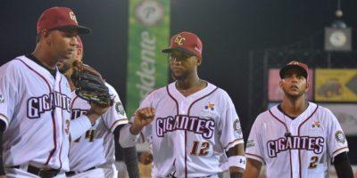 Gigantes blanquean Tigres y asumen liderato en béisbol dominicano