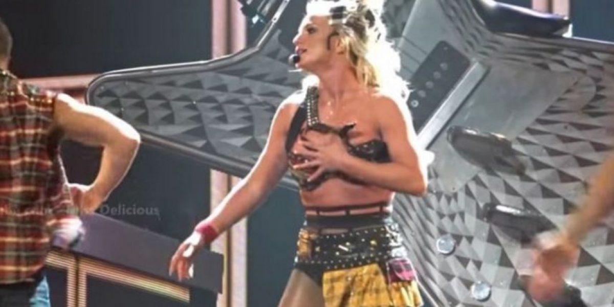 Britney Spears sufre vergonzosa falla de vestuario en pleno escenario