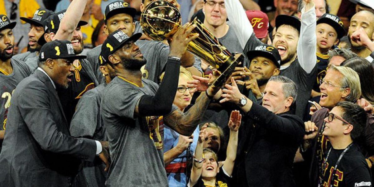 Cavaliers y Warriors favoritos para ganarlo todo en la NBA