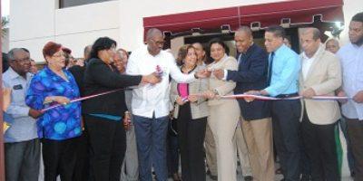 Inauguran funeraria municipal en el sector Los Frailes