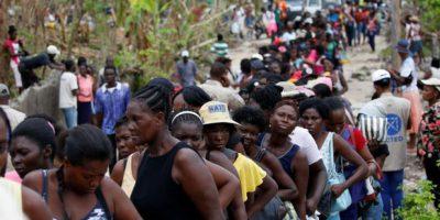 Al menos un muerto y tres heridos en reparto de alimentos en Haití