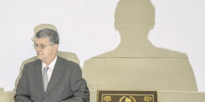 Asamblea abre inicio de juicio político a Nicolás Maduro
