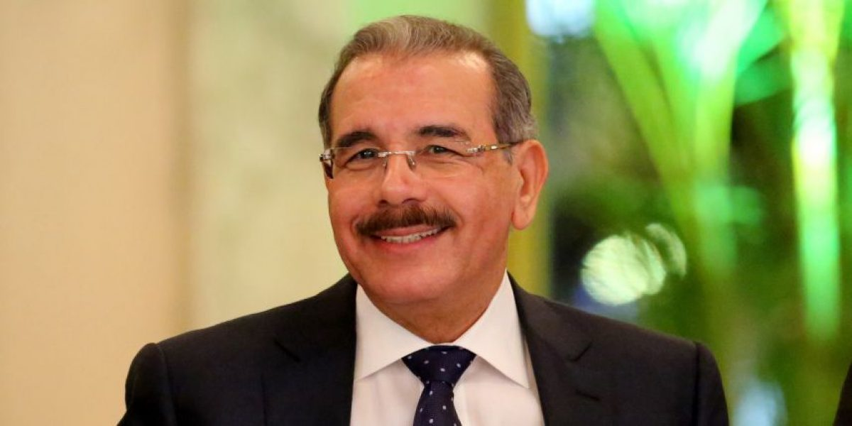 Medina asiste a inauguración de Semana de Francia en RD