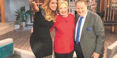 Hillary le pide el voto a los latinos y dominicanos
