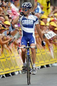 Exganador de la Vuelta a España, acusado de robar celulares Foto:Getty Images