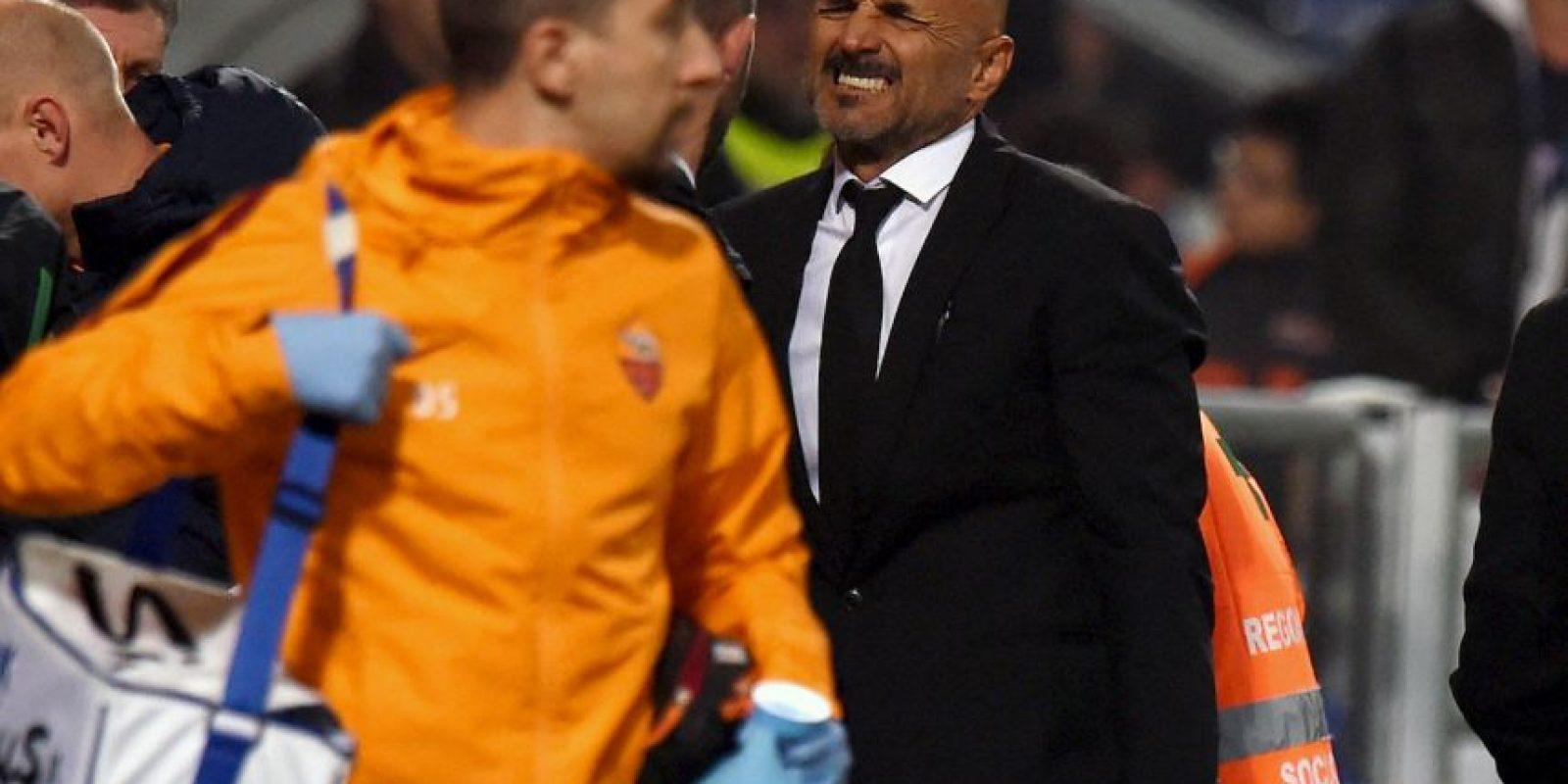 Todos lamentaron la lesión de Florenzi. El técnico de la Roma, Luciano Spaletti, no podía creerlo Foto:Getty Images