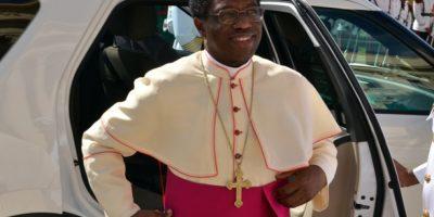 El nuncio apoya reclamo de subida salarial para los policías
