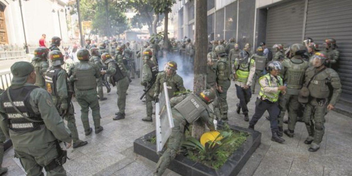 Policía muerto calienta la huelga de hoy en Venezuela