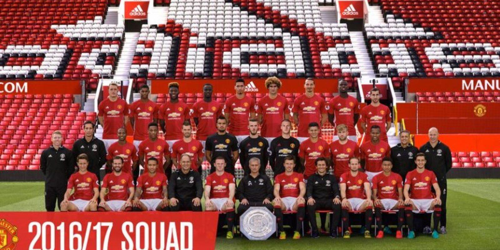 Bastian Schweinsteiger fue excluido de la fotografía oficial de Manchester United Foto:Twitter Manchester United