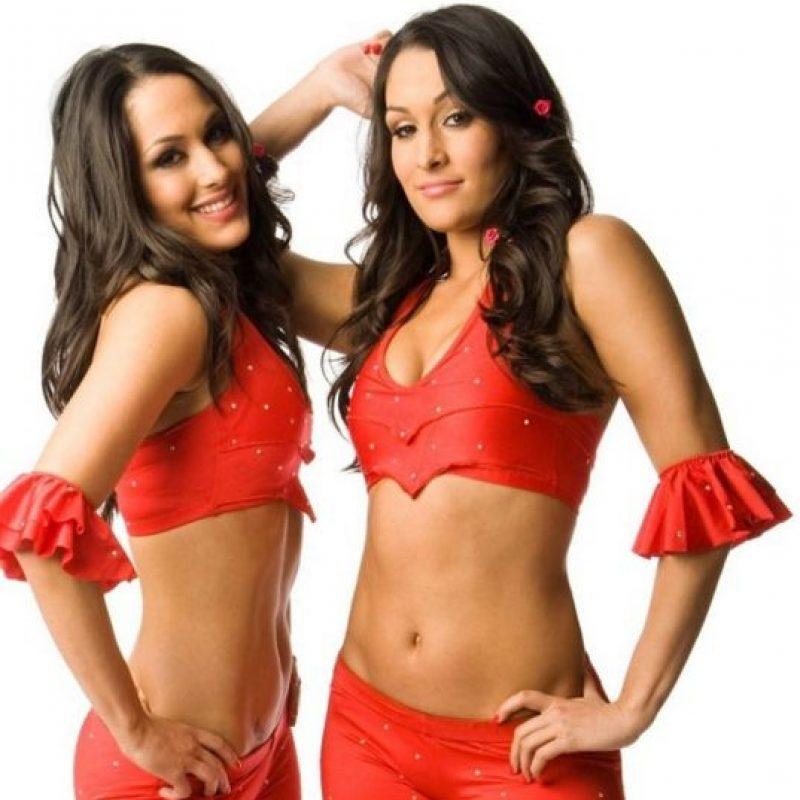 Nikki y Brie Bella (2007) Foto:WWE