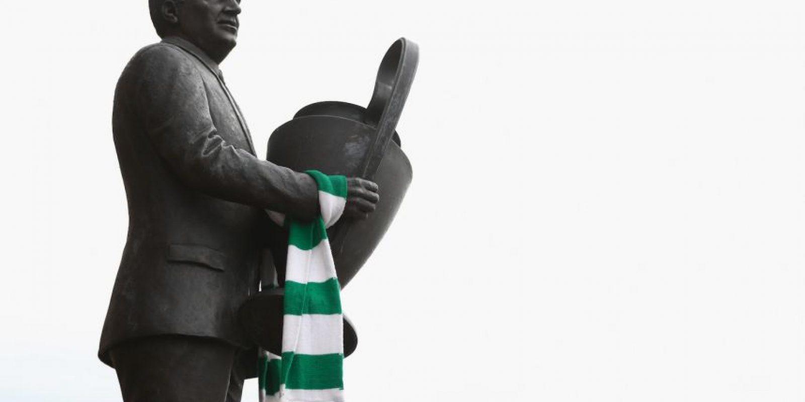 4.-Jock Stein (26 títulos): Histórico técnico de Celtic, sumó en los escoceses 10 torneos locales, una Champions League, ocho copas de Escocia y seis Copa de la Liga de Escocia. No por nada hay una estatua de él en el estadio de Celtic.