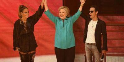 Artistas latinos se suman a Hillary