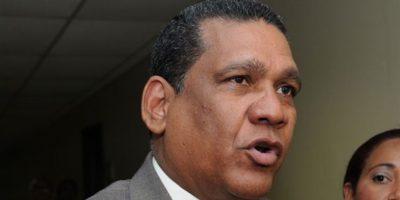 Diputado oficialista respalda reeleción de Roberto Rosario frente a JCE