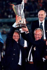 15.-Sven Goran Eriksson (19 títulos): El actual técnico del Shanghai SIPG tuvo sus grandes momentos cómo técnico cuando dirigió a Lazio. Ahí se consagró de lo venía haciendo en el Benfica y en Italia sumó siete títulos, entre los que se incluye una Serie A y la UEFA Cup Winners Cup Foto:Getty Images