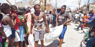 Adolescente muere durante reparto de alimentos, en Haití