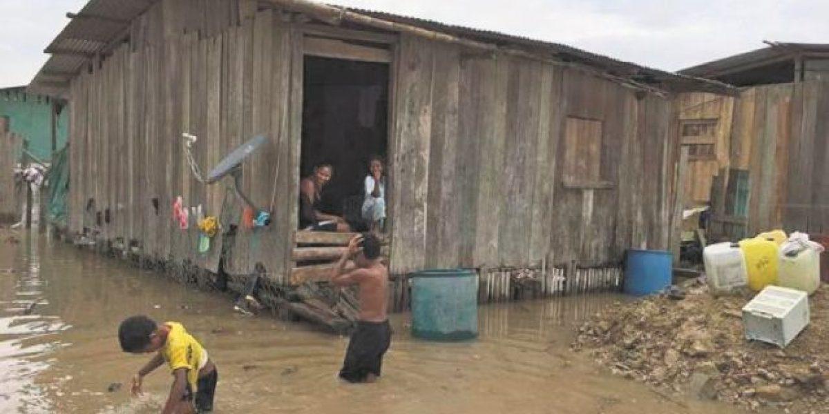 Lluvias dejan un niño muerto y ocho mil desplazados en RD