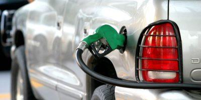 Industria y Comercio anuncia bajas en precios de los combustibles