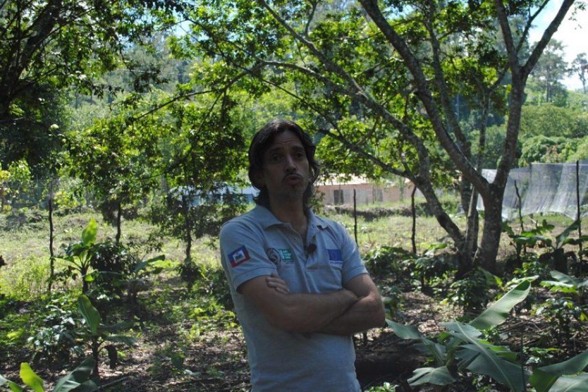 Espedito Ippolito insta a los caficultores a seguir con su siembra. Foto:NB