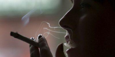 Fumar causa cientos de mutaciones en el cuerpo y son para siempre