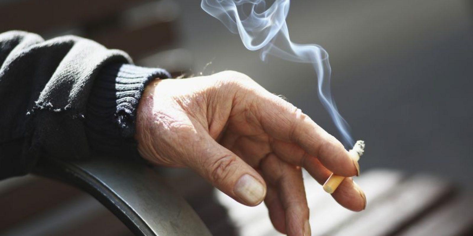 Los estudios señalan que fumar un solo cigarrillo acorta tu vida en unos 11 minutos. En general, tu expectativa de vida se reduce en unos 7-8 años si eres fumador. Foto:Getty Images