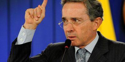 """Álvaro Uribe: No se puede llamar paz """"a la democracia sometida"""""""