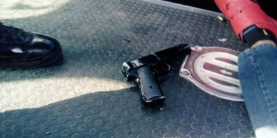 Oficial mata hombre que asaltó su negocio