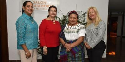 #TeVimosEn: Rigoberta Menchú participa en congreso RD