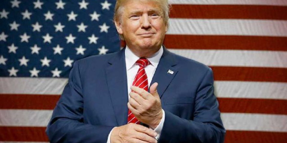 ¿Qué estaba mirando Donald Trump?