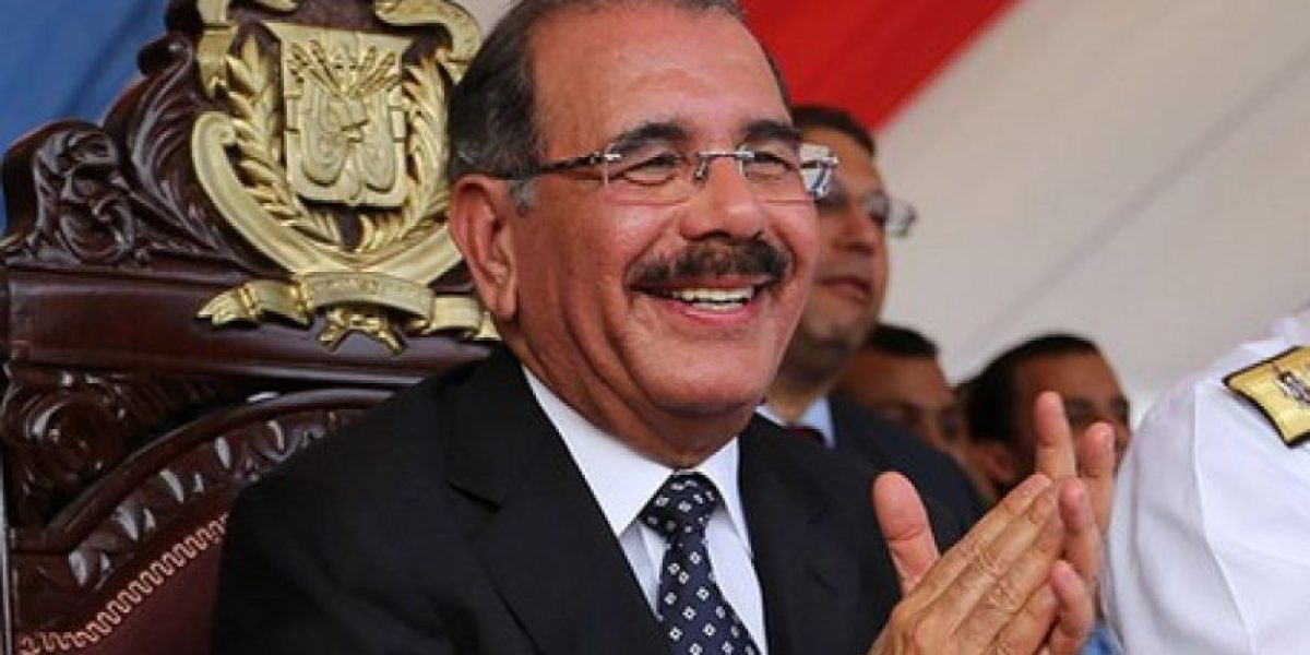 Danilo Medina felicita a  Donald Trump