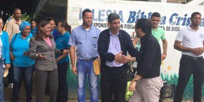 Navarro evalúa escuelas afectadas por lluvias