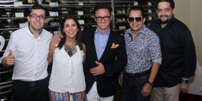 John Celis, Alicia Velez Restrepo, Juan … Gómez, Rafa Rosario e Ysrael Abreu Foto:Fuente externa