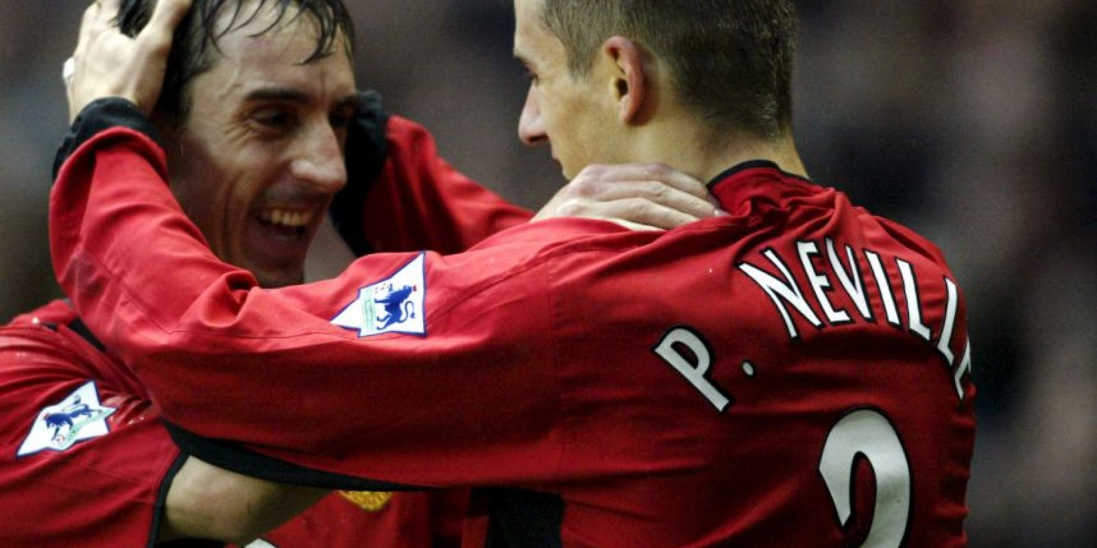 Gary y Phil Neville: Otros de los famosos hermanos que compartieron equipos y que se cansaron de ganar en Manchester United Foto:Getty Images