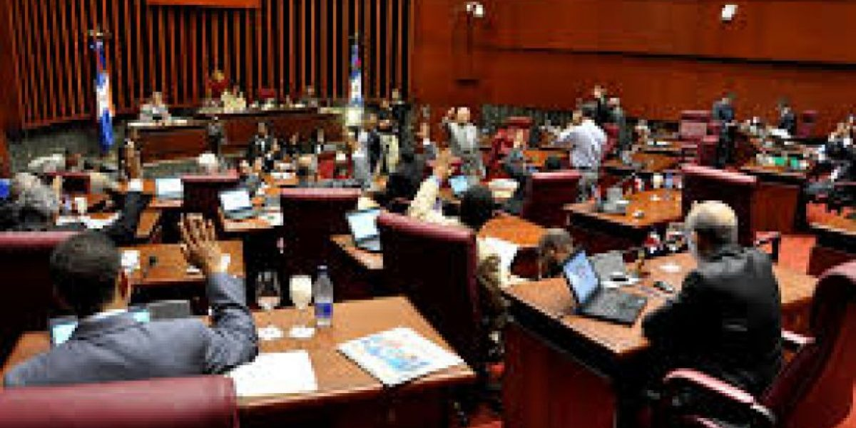 Favorecen retención salarios a funcionarios no realizaron declaración jurada
