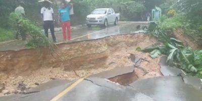 Colapsa debido a las lluvias carretera El Limón, en Samaná