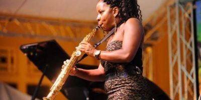 Tia Fuller Quartet y Sabrina Estepan llevaron alegría y esperanza a los puertoplateños en el DR Jazz Festival