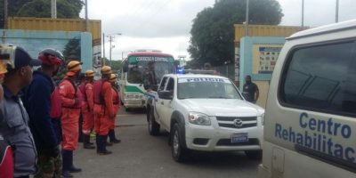 Evacuán reclusos de Rafey por desfogue de la presa Tavera