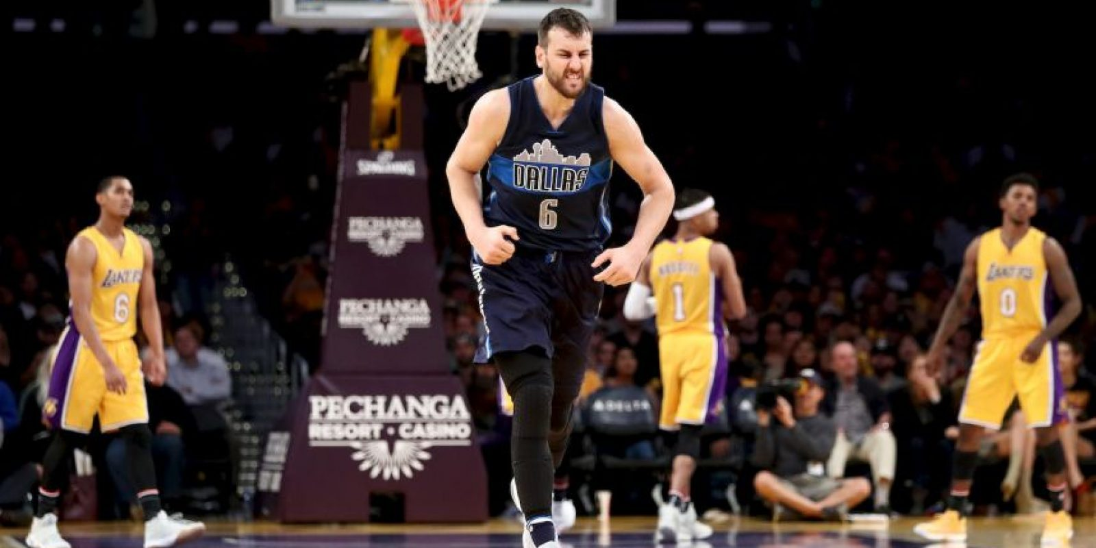 8.- Dallas Mavericks (NBA) – 7,270,951 millones de dólares de sueldo anual en promedio Foto:Getty Images