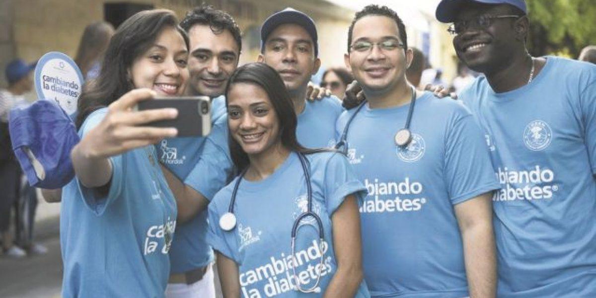 """El """"Azul"""" identifica a pacientes del INDEN y familiares para decir a todos los dominicanos: Ojo con la diabetes"""
