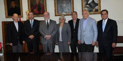 Vergés asiste a ingreso de Héctor Luis Martínez a Academia de la Historia