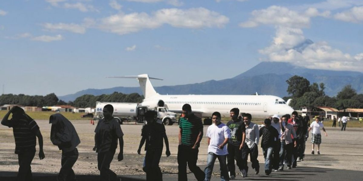 """Dominicanos """"trabajadores"""" no temen a la deportación"""