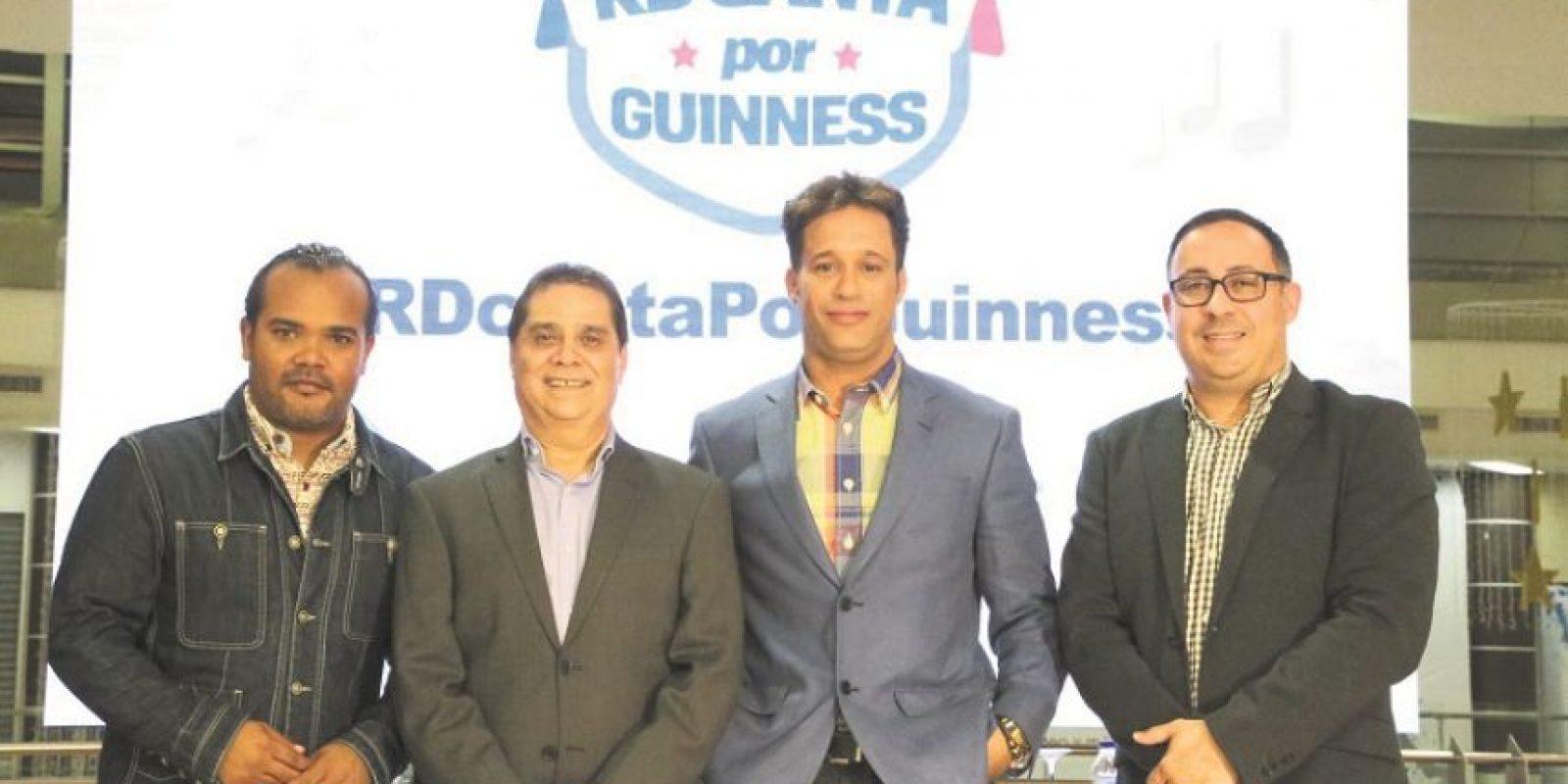 Alberto Zayas junto a Valentín Báez (Telesistema), Carlos Silver y Alexis Hernández (Gerenet Sambil). Foto: Fuente externa