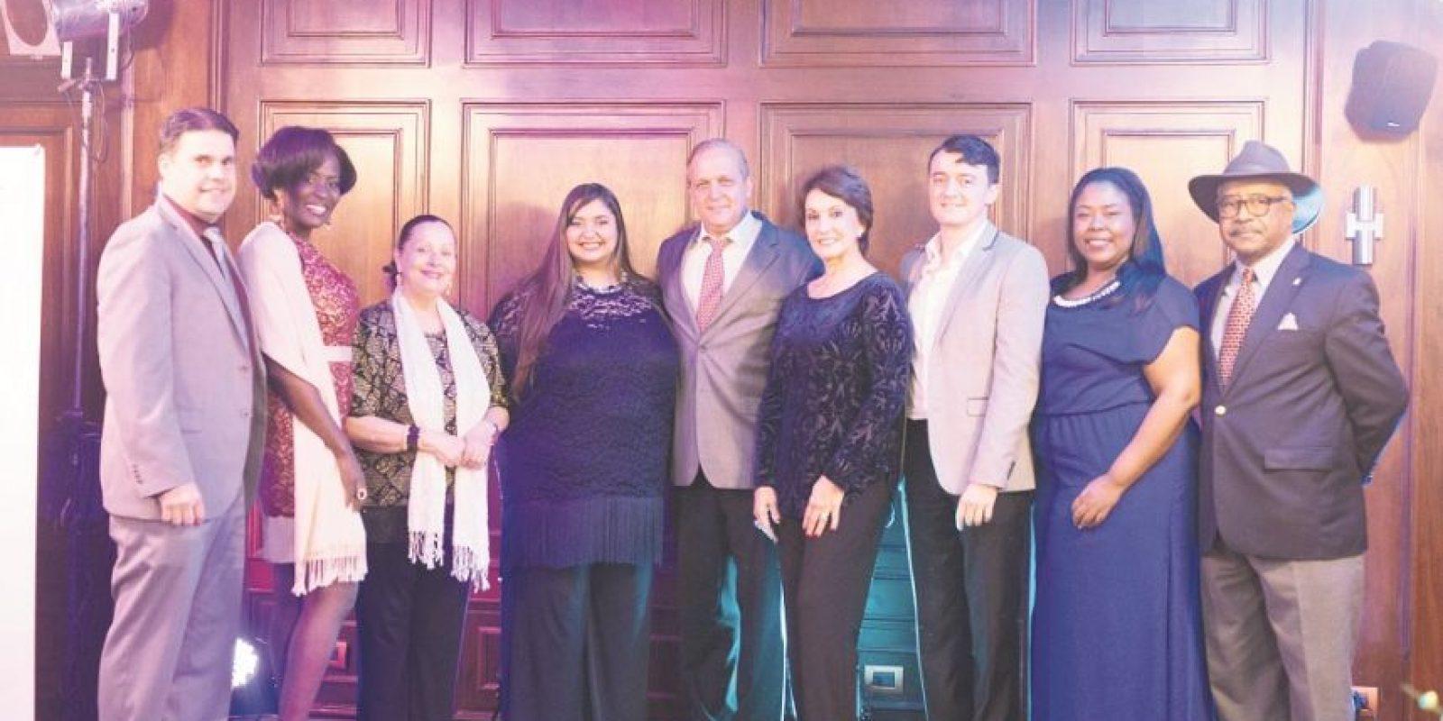 """El grupo de artistas que iluminan la """"Gala de la Canción Dominicana"""". Foto:Fuente externa"""