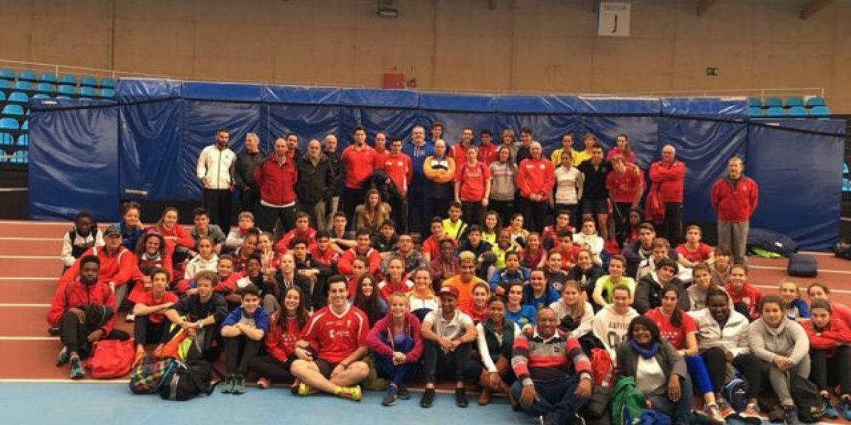 Luguelín Santos ofrece  charla a jóvenes atletas  en España