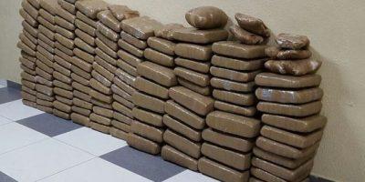 Autoridades se incautan de 133 pacas de drogas en Peravia