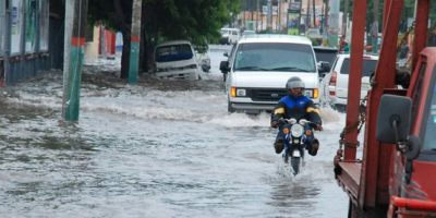Elevan a 42,200 los desplazados por las fuertes lluvias